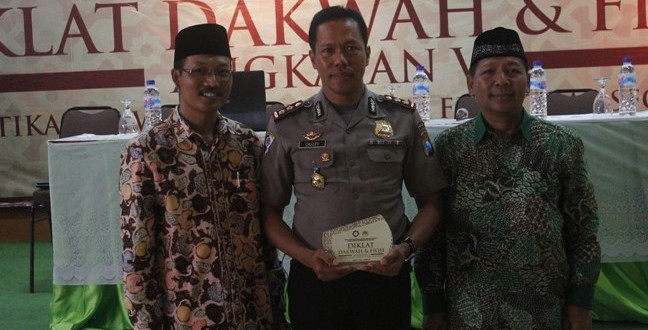 Wakil Dirut Binmas Polda Jatim, AKBP Dulfi Muis, SH, SIK