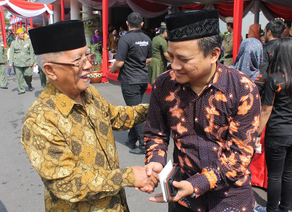Dewan Penasehat PD Muhammadiyah Kota Surabaya KH. Wahid Syukur bersama Ketua DPD LDII Kota Surabaya H. Akhmad Setiadi, S.Si