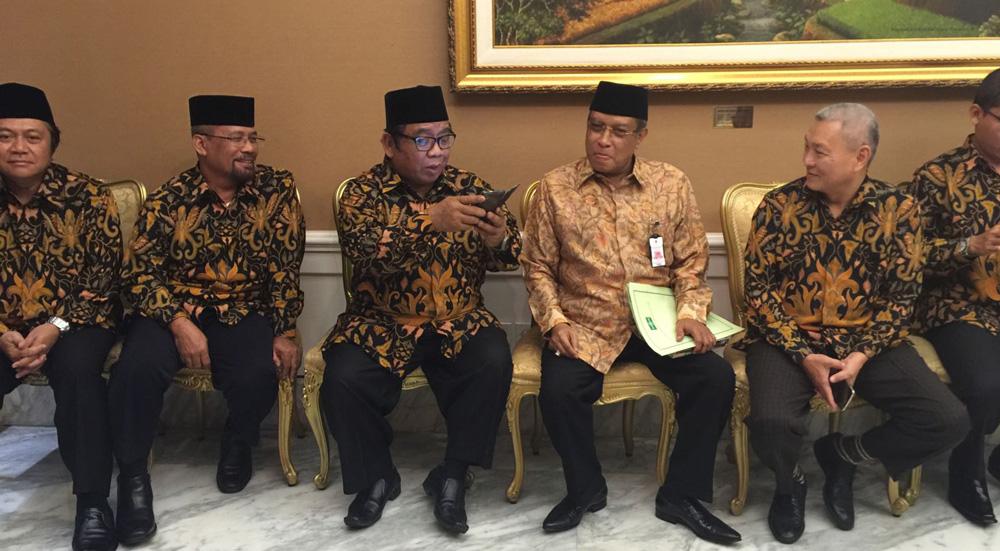 Pengurus DPP LDII bersama Ketua PBNU Prof. Dr. KH. Said Aqil Siradj, M.A., di Istana Negara.