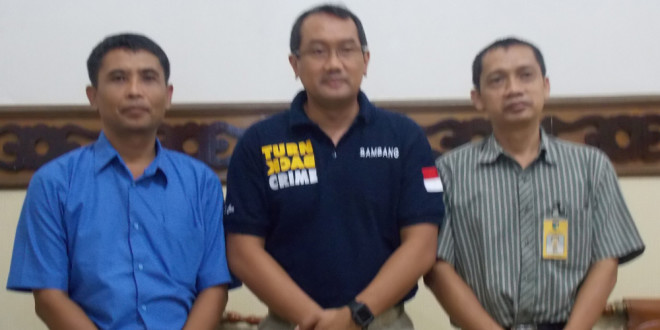 Kapolresta Kediri, Bambang Widjanarko Baiin (tengah ) dan jajaran pengurus DPD LDII Kabupaten Kediri.