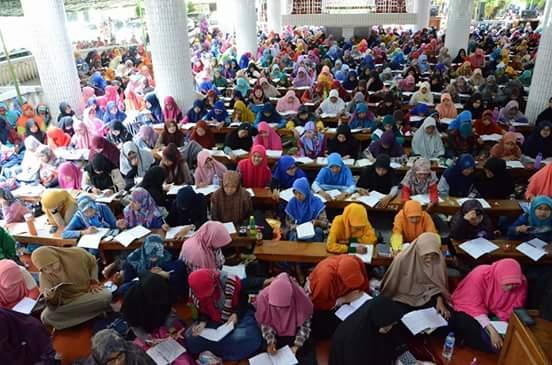Antusias peserta Asrama Syarah Asmaul Husna yang digelar di Ponpes Wali Barokah, Kediri.