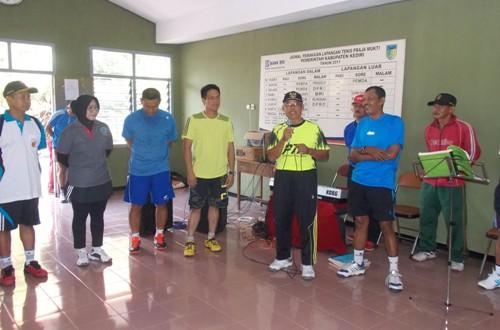 Ketua-LDII-Kediri-Tenis-Bersama-Muspida