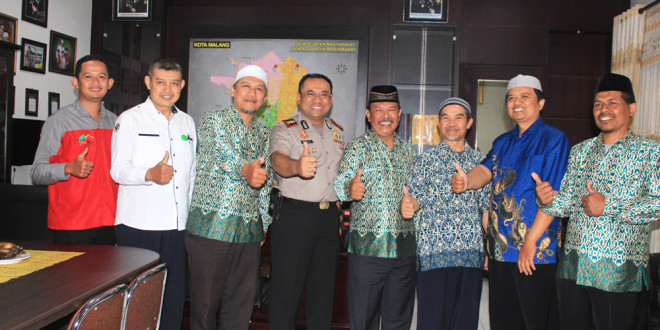 Pengurus DPD LDII Kota Malang bersama Kapolres Malang Kota AKBP Decky Hendarsono, Kamis (14/4).