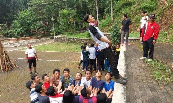 Outbond pembinaan mental generus LDII Kabupaten Sidoarjo di Bumi Perkemahan Kosambiwojo, Wonosalam, Jombang, Rabu-Kamis (4-5/5)