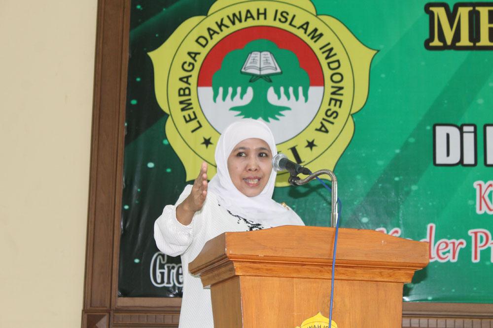 Menteri Sosial RI Dra. Hj. Khofifah Indar Parawansa.