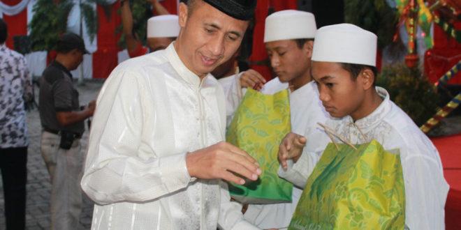 Safari ramadhan 1437 H Pangdam V/Brawijaya Mayjen TNI Sumardi di Markas Korem 084/Bhaskara Jaya, Selasa (28/6).