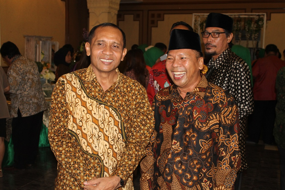 Pangdam V/Brawijaya Mayjen TNI I Made Sukadana dan Ketua DPW LDII Provinsi Jawa Timur Drs. Ec. H. Amien Adhy