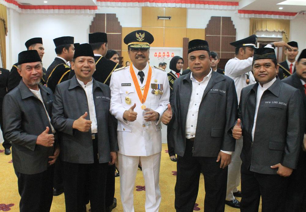 Ramah tamah Wakil Gubernur Saifullah Yusuf dengan jajaran pengurus DPW LDII Provinsi Jawa Timur bersama usai upacara HUT ke-71 kemerdekaan RI di Gedung negara Grahadi.