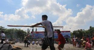 Drama kolosal pertempuran arek-arek Suroboyo di HUT ke-71 TNI.