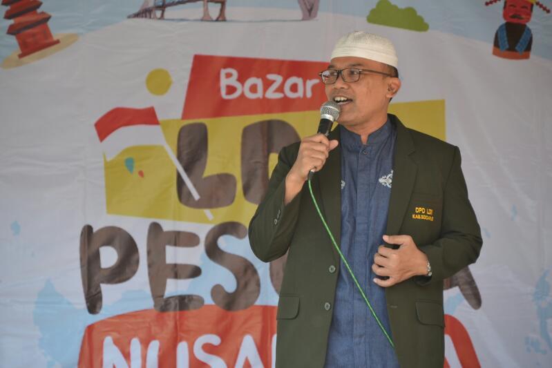 Ketua DPD LDII Kabupaten Sidoarjo, Ir. H. Rony Romandhawira saat memberi sambutan pada Bazar Pemuda