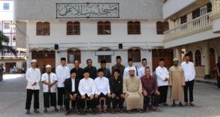Pengurus FKUB Jawa TImur dan Pengurus Masjid Nasional Al-Akbar Surabaya foto bersama Pengurus Pondok Pesantren Wali Barokah dalam kunjungan ke Pondok Pesantren, Sabtu (14/10).
