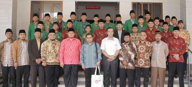 Khairul Azman sebagai wakil Kedutaan Singapura melakukan kunjungan kerja dan bersilaturrahim ke sekolah binaan LDII, Rabu (25/7).