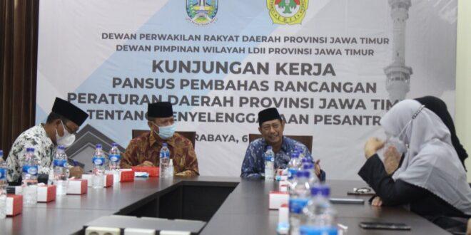 Minta Masukan LDII, Pansus DPRD Jatim Matangkan Raperda Ponpes