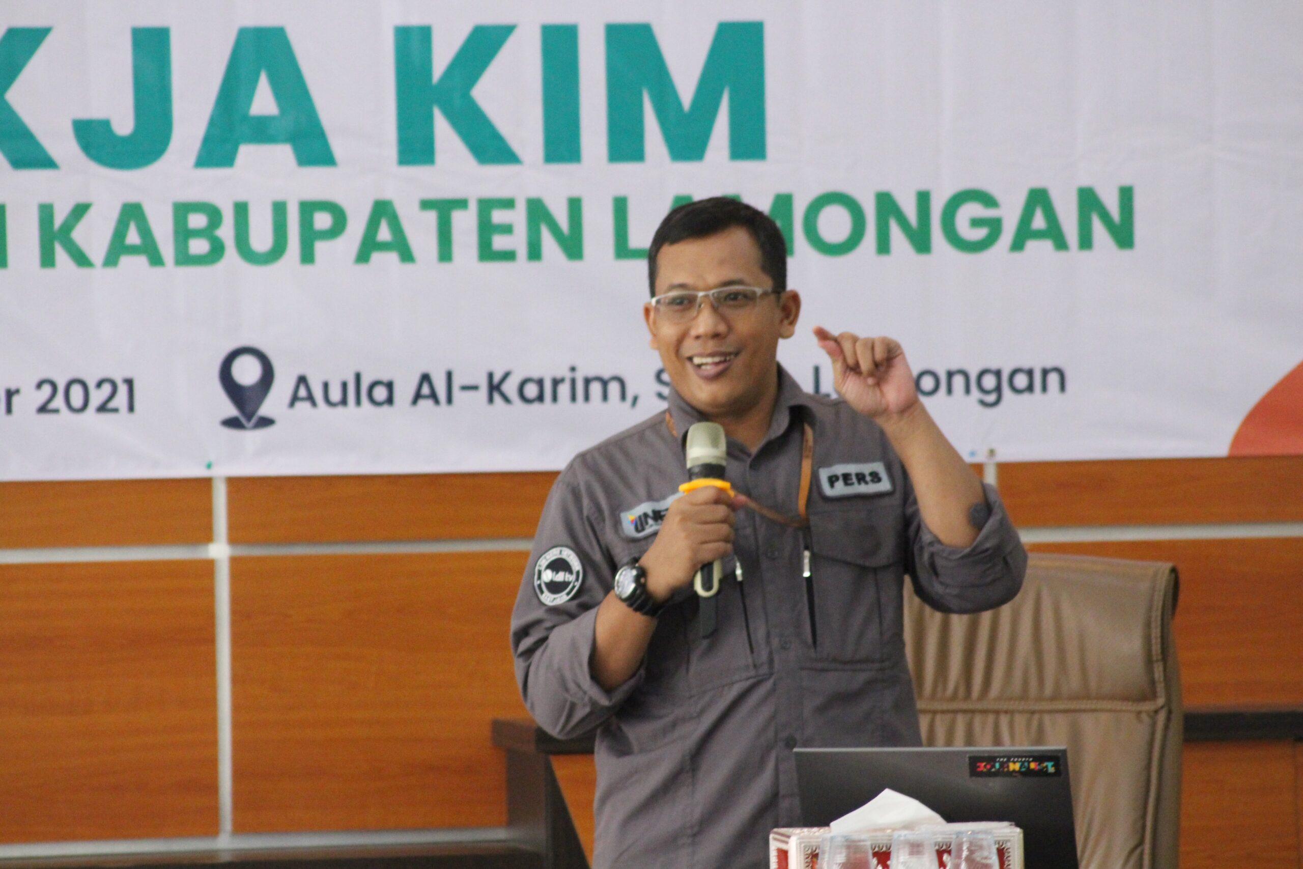 Ketua Departemen KIM DPP LDII, Ludhy Cahyana Pemateri Pelatihan Jurnalistik di Aula Al-Karim, Sugiyo, Lamongan, Minggu (3/10).