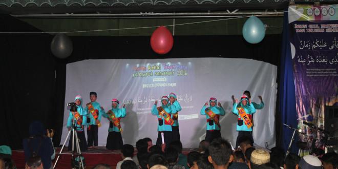 Penampilan adik-adik caberawit PAC LDII Medokan Semampir  di pengajian akhir tahun.