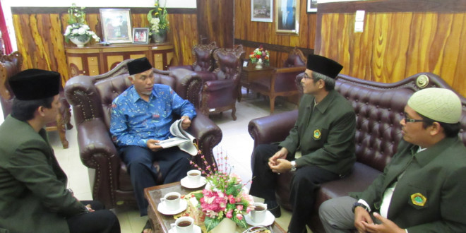 Jumat (4/3/2016), Dewan Pimpinan Daerah Lembaga Dakwah Islam Indonesia (DPD LDII) Kota Padang melakukan audiensi dengan Wali Kota Padang H. Mahyeldi Ansharullah Dt Marajo.