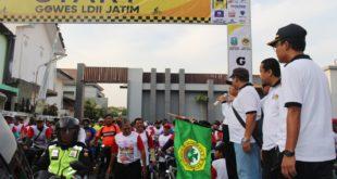 Mengukuhkan Persatuan, LDII Sambut HUT Jatim dengan Sepeda Sehat