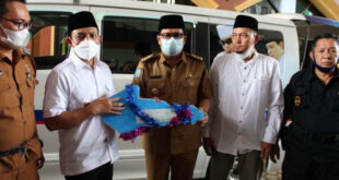 Walikota Bantu Ambulance Untuk Ponpes Al Huda Bengkulu