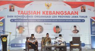 Tausiyah Kebangsaan LDII bekerjasama MUI dan Polda Jawa Timur di Aula Pondok Sabilurrosyidin Annur, Gayungan, Surabaya, Minggu (20/6).